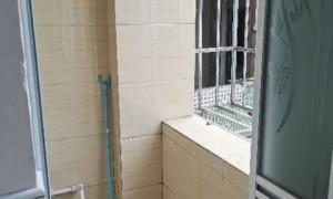 一房一厅1300,在三楼带有小阳台