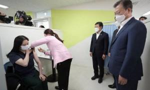 韩国1人接种新冠疫苗后死亡 :五旬男子 有基础疾病