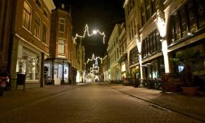 荷兰实施宵禁并停飞往返多国航班